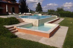 piscina in cemento armato a sfioro in pvc armato avorio - Copia